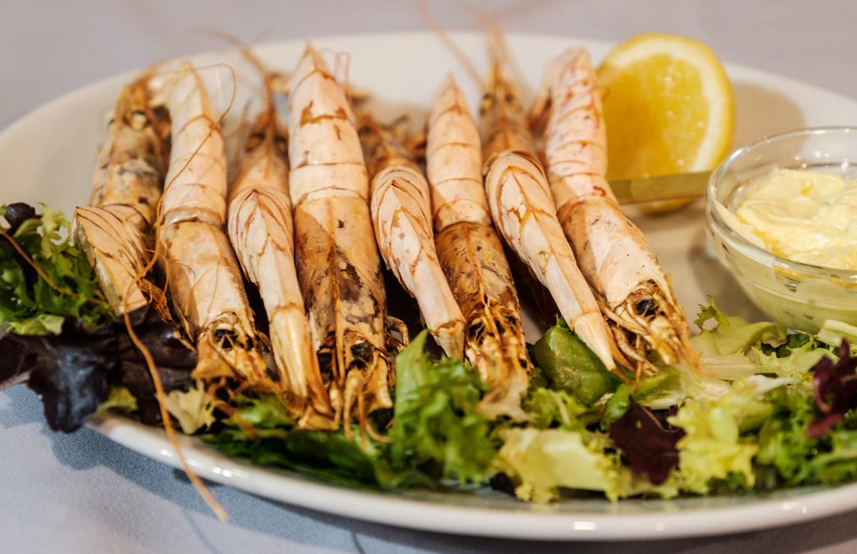 king-prawns-served-on-dish